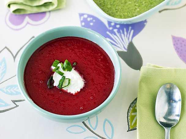 Soppa på rödbeta, röda linser och morot
