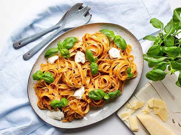 Spaghetti med krämig köttfärssås