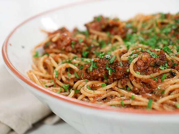 Spaghetti veggie bolognese
