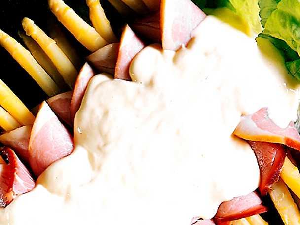 Sparrispaket med hollandaisesås