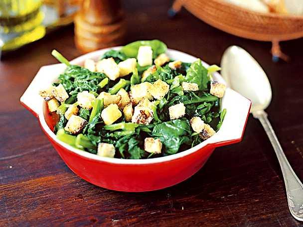 Spinaci salati nel burro - Smörångad spenat