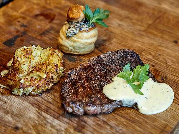 Steak minute med bearnaise och rösti