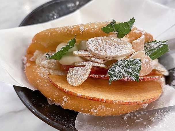 Steamed buns med mandelkräm