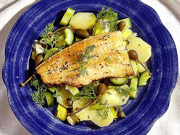 Stekt fiskfilé med potatisgryta