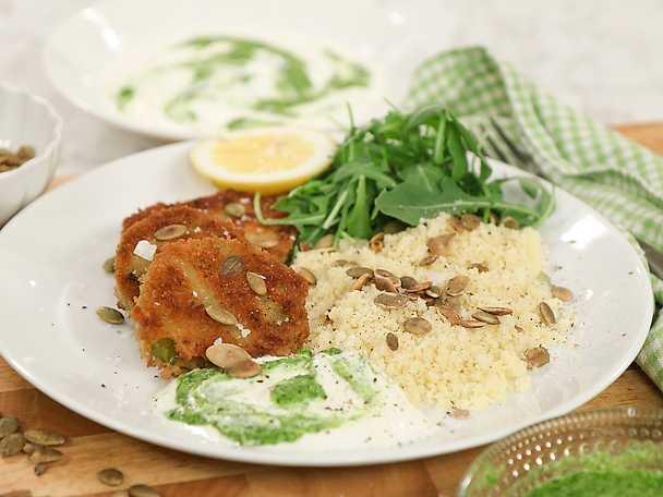 Stekta gröna tomater med couscous och örtyoghurt