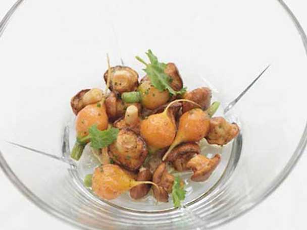 Stekta kantareller med kantarellpuré och morötter
