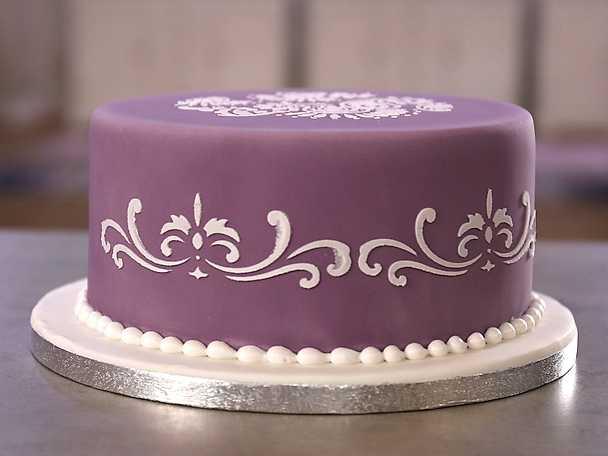 Stencildekoration på tårta - se & gör