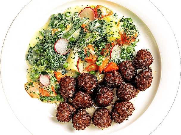 Stuvade grönsaker till köttbullar