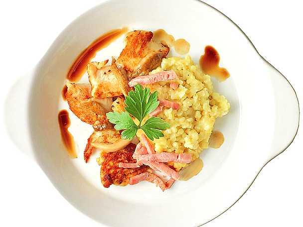 Svamp- och kycklingragu med skinka och bulgur