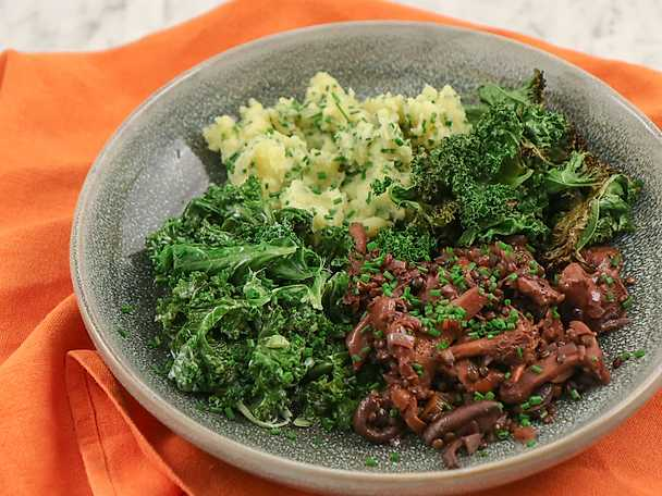Svampragu med potatisstomp och grönkål