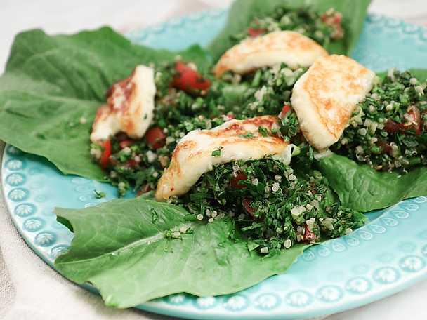 Tabbouleh på quinoa och stekt halloumi