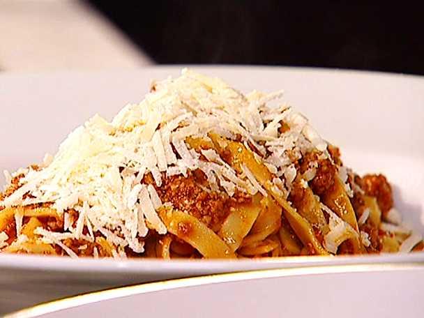 Tagliatelle al Ragù Classico - Tagliatelle med en klassisk köttfärssås