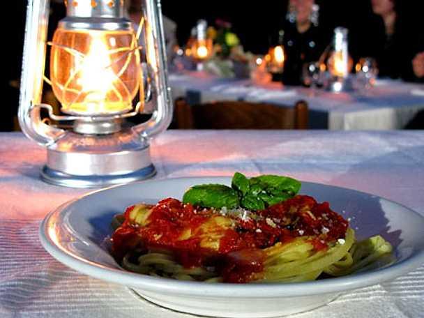 Tagliatelle con salsa di pomodorini