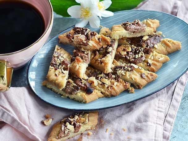 Talanda kolasnittar med choklad och mandel