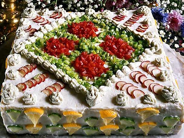 Tårta i rött och grönt