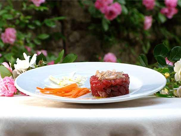 Tartara di tonno - tartar på tonfisk