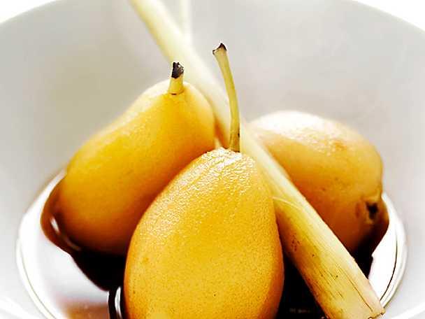Te- och citrongräskokta päron