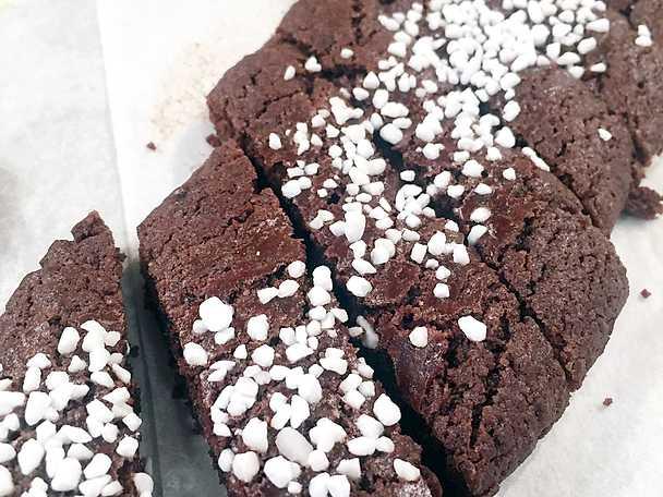 Teas chokladsnittar med pärlsocker