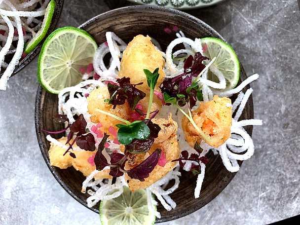 Tempurafriterad hummer med chili- och vitlöksmajonnäs