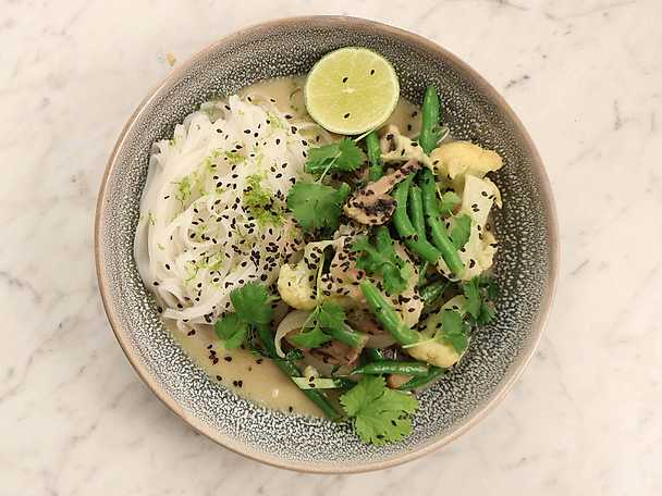 Thai green curry med blomkål och haricots verts