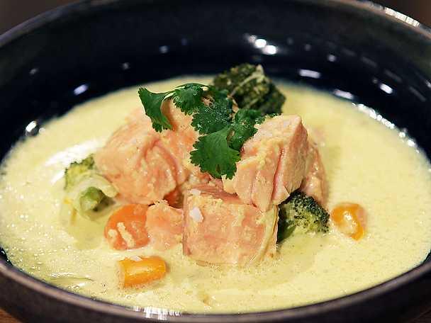 Thaigryta med kokosmjölk och gul curry
