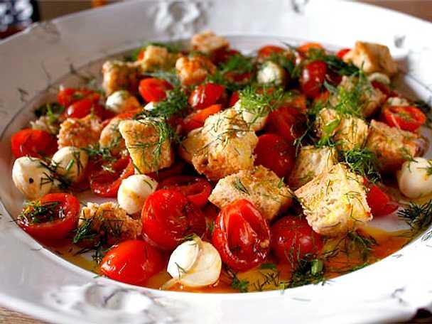 Tinas tomatsallad med mozzarella