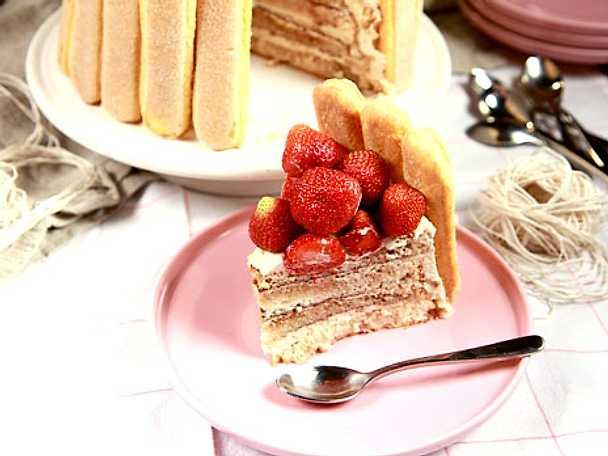 Tiramisùtårta med jordgubbar