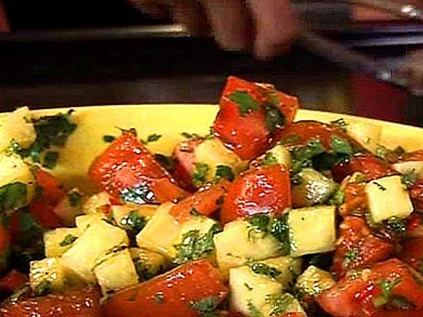 Tomat- och ananassalsa