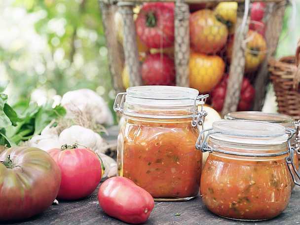 Tomatsås med selleri och basilika, Mandelmanns recept