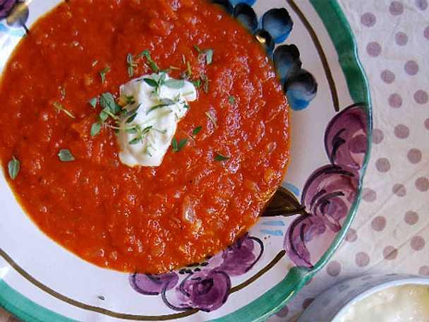 Tomatsoppa med chèvrekräm