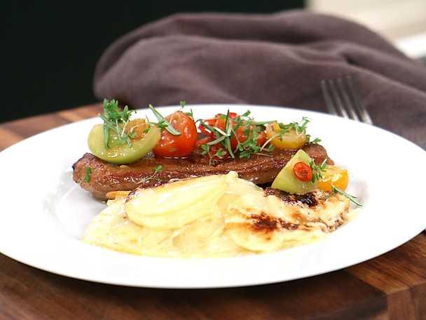 Toms perfekta potatisgratäng med lammkotletter