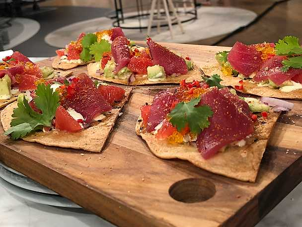 tonfisksashimi tostada