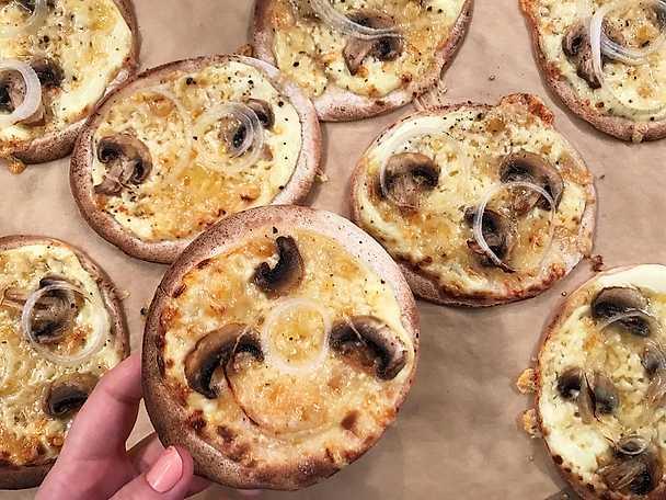 Tortillapizza med champinjoner, Västerbottensost och tryffel