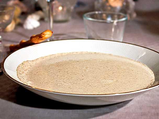 Trattkantarellssoppa med anklever