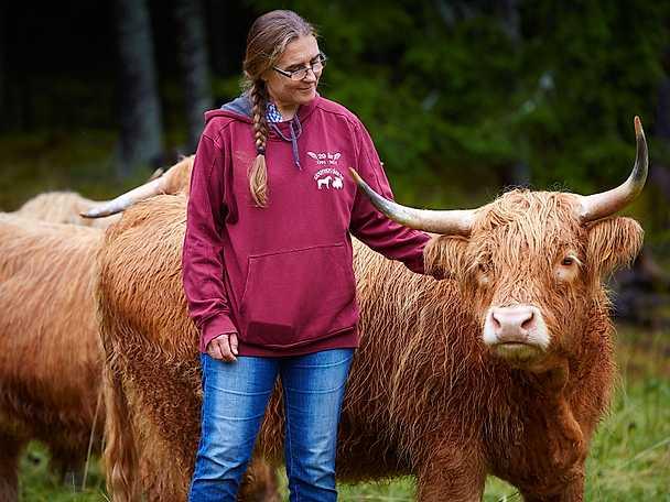 Två kor i 40-årspresent – nu är hon köttbonde