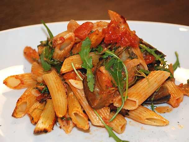 Ugnsbakad pasta med parmesan och aubergine