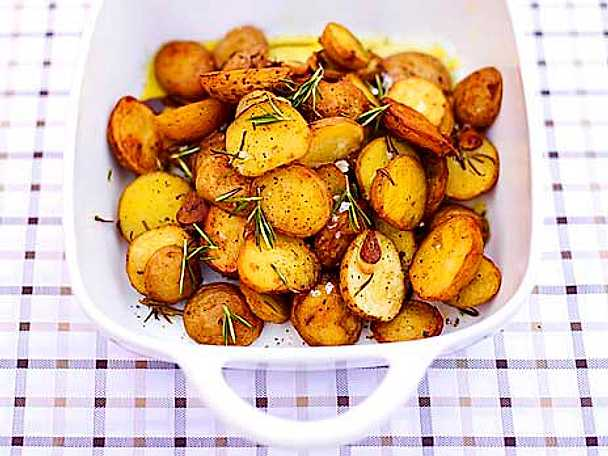 Ugnsbakad potatis med rosmarin
