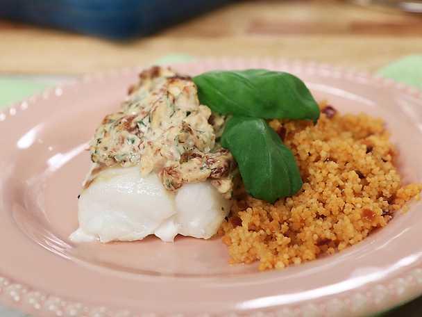 Ugnsbakad torsk med färskoströra och couscous