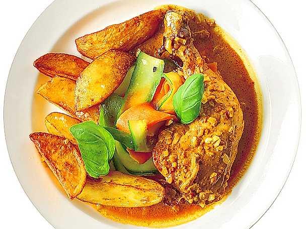 Ugnsstekt BBQ- kyckling med klyftpotatis