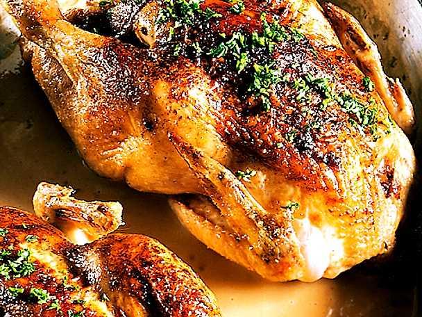 Ugnsstekt hel kyckling