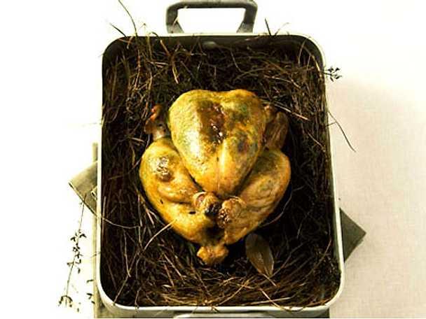 Ugnsstekt kyckling i hö från Alvaret