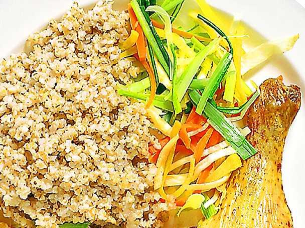 Ugnstekt kyckling med timjanbulgur och grönsaker