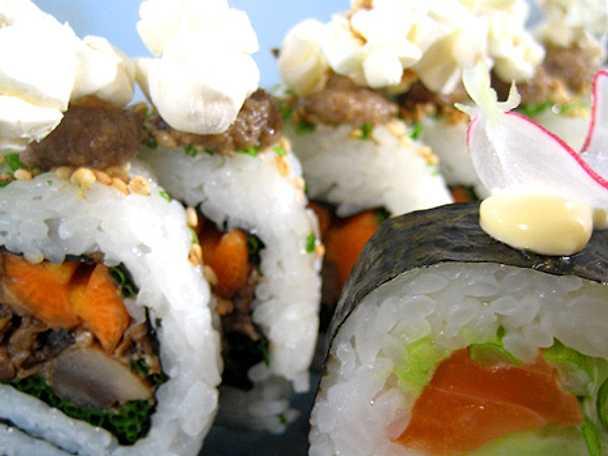 Ura-maki sushi