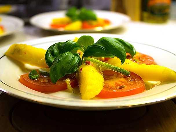 Välkommen med tomat och mango