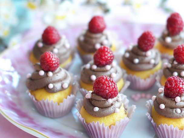 Vaniljmuffins med chokladkräm