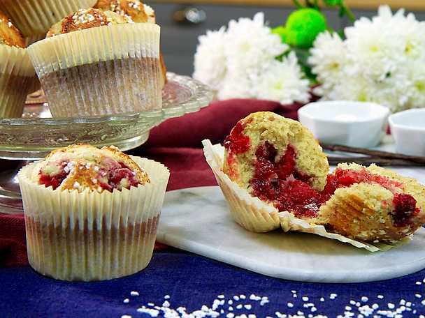 Vaniljmuffins med hallon