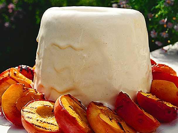 Vaniljparfait med nektariner