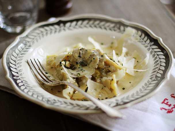 Vaniljsås med rosmarin till färsk pasta