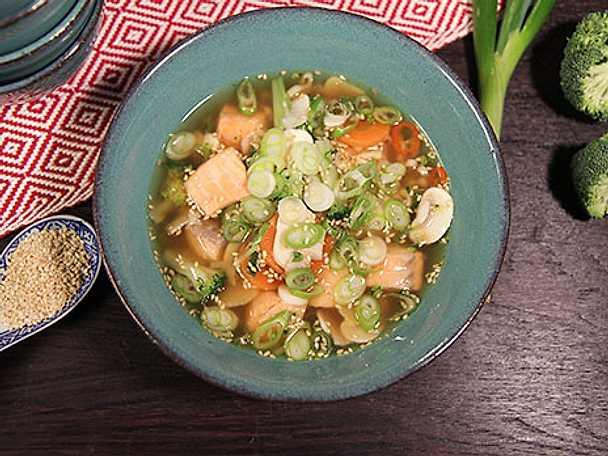 Världens bästa snabbmat - japansk laxsoppa