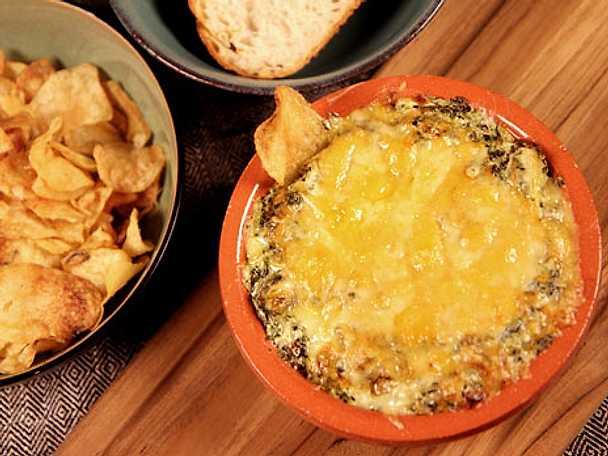 Varm ostdipp med kronärtskocka